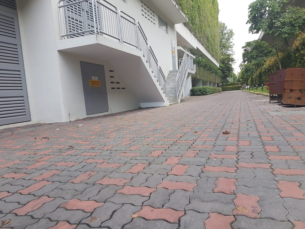 black-and-red-unipave-driveway