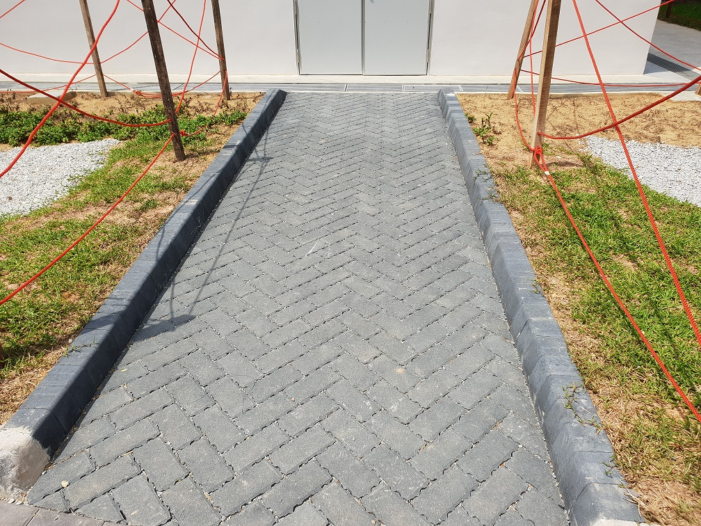 Priora Permeable Paving in Charcoal